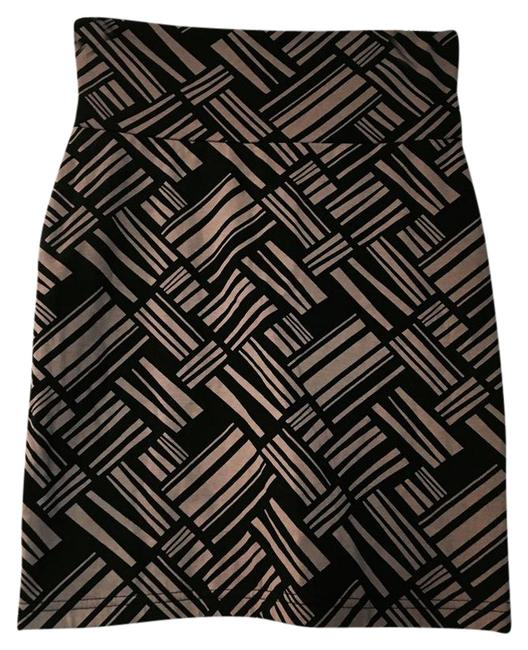 Preload https://img-static.tradesy.com/item/21371036/urban-outfitters-printed-camel-and-black-miniskirt-size-4-s-27-0-1-650-650.jpg