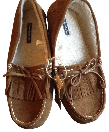 Preload https://img-static.tradesy.com/item/21371849/american-eagle-outfitters-brown-0414412435593435-232-23182181-flats-size-us-10-regular-m-b-0-1-540-540.jpg