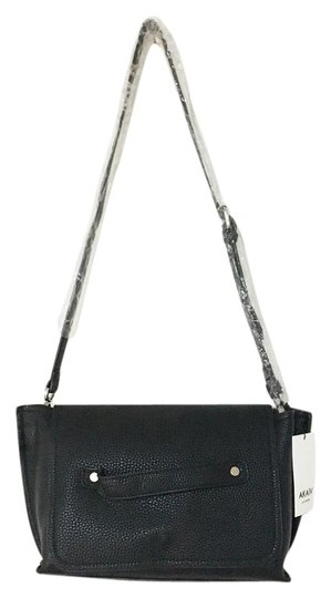 Preload https://img-static.tradesy.com/item/21372594/hipster-textured-faux-leather-cross-body-bag-0-1-540-540.jpg