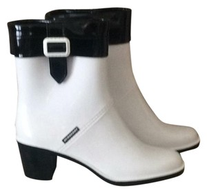 Burberry white Boots