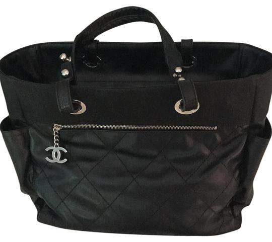 Preload https://img-static.tradesy.com/item/21373375/chanel-biarritz-black-leather-and-canvas-tote-0-1-540-540.jpg