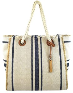 Vince Camuto Tote in blue/off white