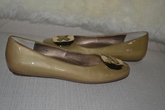 Ditto by Van Eli Size 6.5 gold Patent Flats Image 1