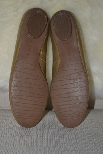 Ditto by Van Eli Size 6.5 gold Patent Flats Image 4