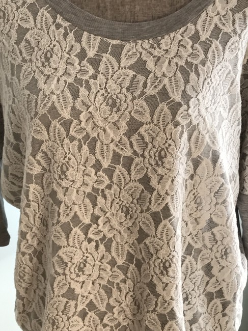 Romeo & Juliet Couture Tops Size Medium Tops Pullovers And Tunic Image 2