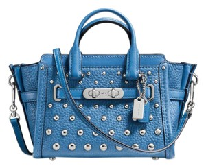Coach 889532704682 Swagger Shoulder Bag