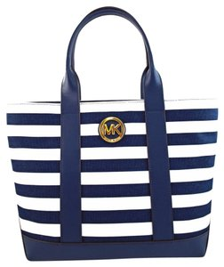 Michael Kors Tote in blue/white