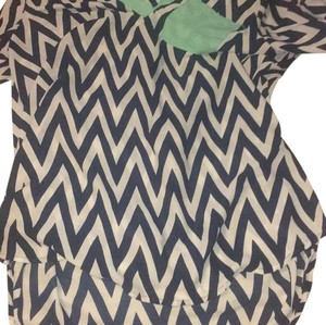 Rue 21 Top black and white chevron with mint detailing