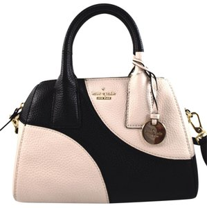 Kate Spade Satchel in black/off white