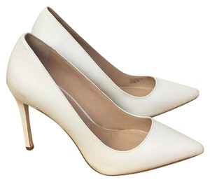 Charles David Leather Leather Sole white Pumps