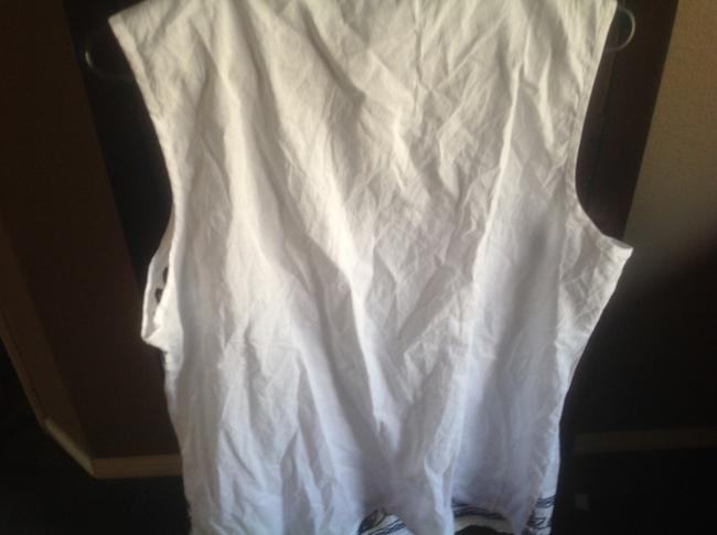 Banana Republic Sleeveless With With Tags Top White and navy blue ethching Image 2