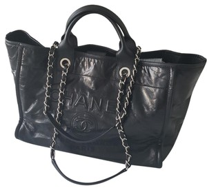 Chanel Calfskin Leather Tote in Black
