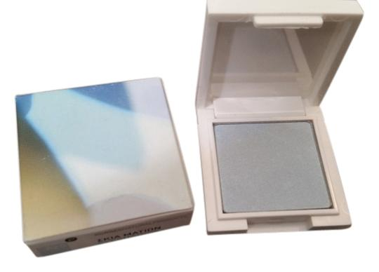 Clinique Korres Sunflower Eyeshadow Shimmering Light Blue # 82S New in Box