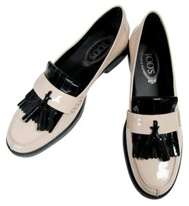 Tod's Loafers Moccasins Patent Leather Fringe Tassels nude/black Flats