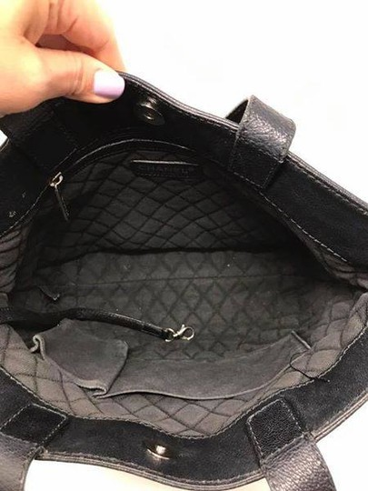 Chanel Tote Image 4
