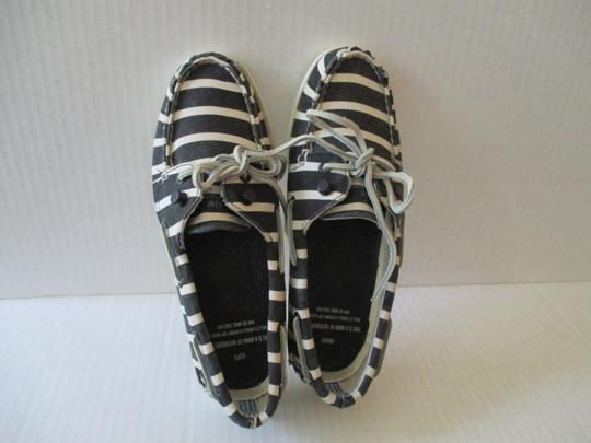 Sperry Navy and White Flats Image 3
