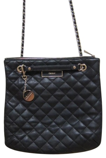 Preload https://img-static.tradesy.com/item/21380103/dkny-quilted-nappa-with-plaque-logo-shoulder-black-leather-cross-body-bag-0-9-540-540.jpg