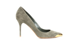 Alexander McQueen Gold Suede Pointed Toe Olive Pumps