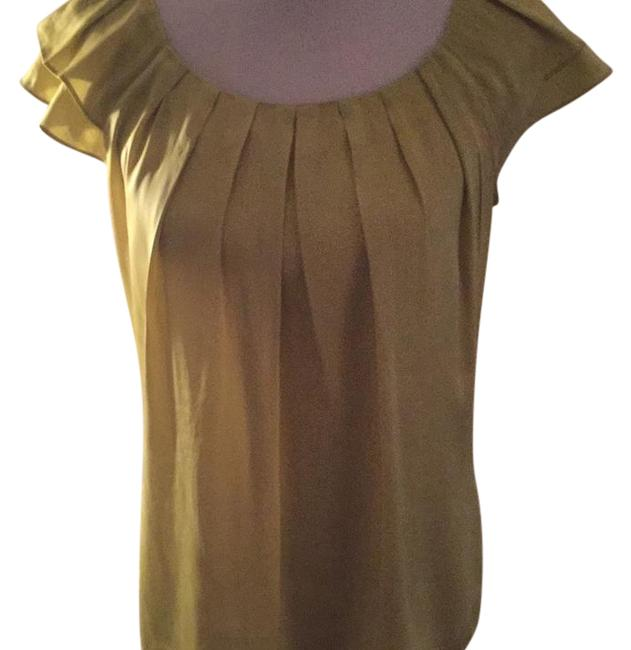 Preload https://img-static.tradesy.com/item/21380814/violet-and-claire-lime-green-79508-blouse-size-6-s-0-1-650-650.jpg