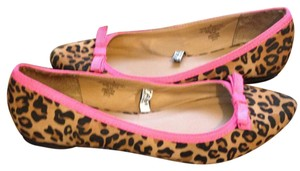 Xhilaration Animal Print Pointed Toe Leopard Print Flats