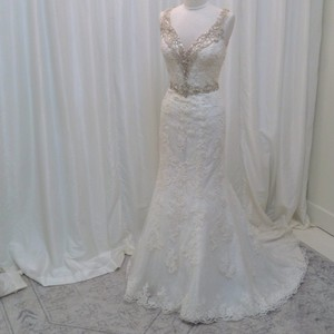 Justin Alexander Ivory/Silver Lace 8853 Traditional Wedding Dress Size 8 (M)