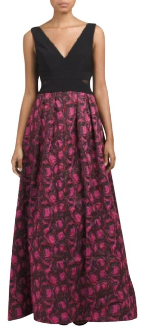 Item - Black/Magenta Textured Jacquard Ball Gown Long Formal Dress Size 6 (S)