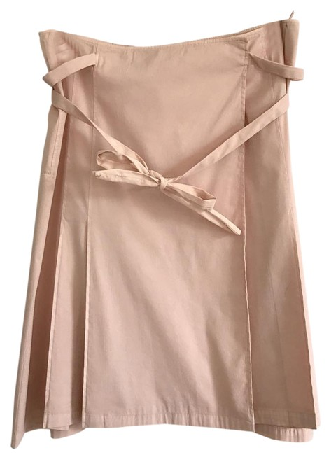 Preload https://img-static.tradesy.com/item/21386635/prada-peachy-pink-knee-length-skirt-size-10-m-31-0-1-650-650.jpg