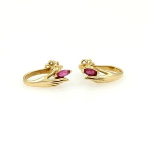 Carrera y Carrera 18kt Yellow Gold & Rubies Lady Hand Earrings