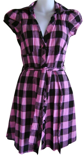 Preload https://img-static.tradesy.com/item/2139077/she-s-cool-black-and-pink-check-summer-knee-length-short-casual-dress-size-8-m-0-0-650-650.jpg