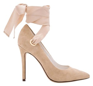 Alice + Olivia Ribbon Bow Pointed Toe Bow Heels Nude Heels Tan Suede Pumps