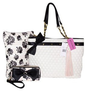 Betsey Johnson Pouch Quilted Swag Wallet Tote in BONE