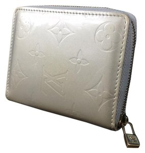 08a5babb1f7a Silver Louis Vuitton Wallets - Up to 70% off at Tradesy