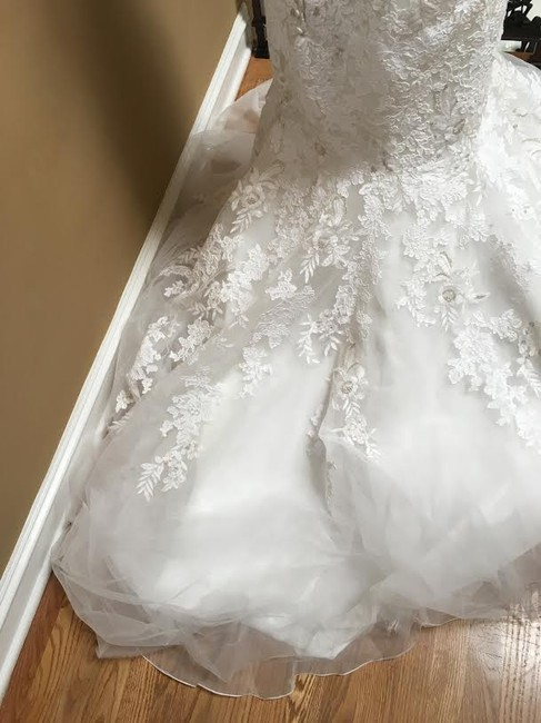 Ivory/Silver Lace Bridal Gown Stock 12907 Cbs Bg 2062 Feminine Wedding Dress Size 12 (L) Ivory/Silver Lace Bridal Gown Stock 12907 Cbs Bg 2062 Feminine Wedding Dress Size 12 (L) Image 4