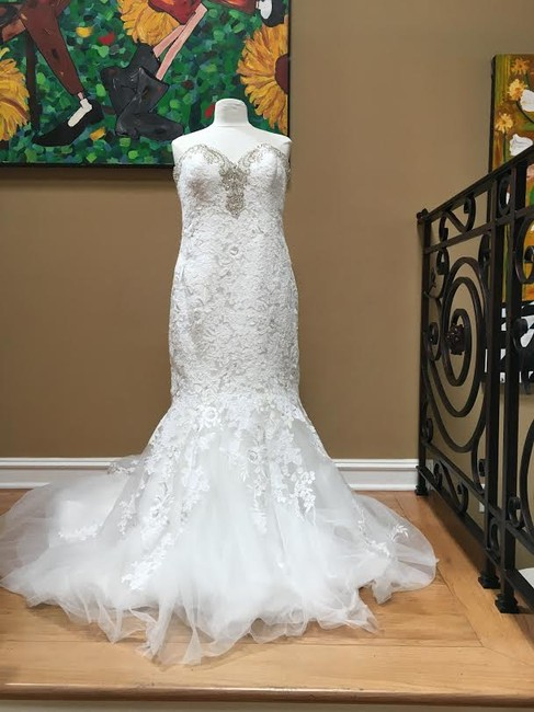 Ivory/Silver Lace Bridal Gown Stock 12907 Cbs Bg 2062 Feminine Wedding Dress Size 12 (L) Ivory/Silver Lace Bridal Gown Stock 12907 Cbs Bg 2062 Feminine Wedding Dress Size 12 (L) Image 6