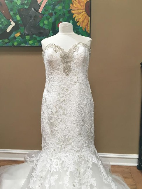 Ivory/Silver Lace Bridal Gown Stock 12907 Cbs Bg 2062 Feminine Wedding Dress Size 12 (L) Ivory/Silver Lace Bridal Gown Stock 12907 Cbs Bg 2062 Feminine Wedding Dress Size 12 (L) Image 7