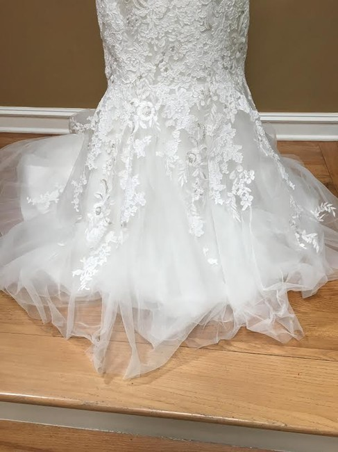 Ivory/Silver Lace Bridal Gown Stock 12907 Cbs Bg 2062 Feminine Wedding Dress Size 12 (L) Ivory/Silver Lace Bridal Gown Stock 12907 Cbs Bg 2062 Feminine Wedding Dress Size 12 (L) Image 8