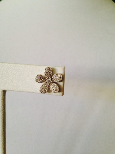 Neiman Marcus Rhodium Plated Sterling Silver Cubic Zirconia Flower Earrings Image 5