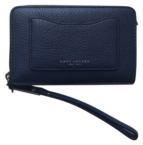 Marc Jacobs Recruite Zip