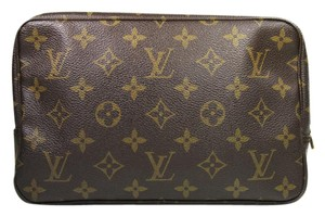 Louis Vuitton Lv Pouch Lv Toiletry Pouch Lv Cosmetic Lv Lv Monogram Brown Clutch