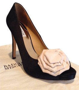 Badgley Mischka Black / Nude Pumps