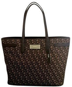 DKNY Tote in Gold Black