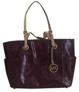 Michael Kors Tote in maroon
