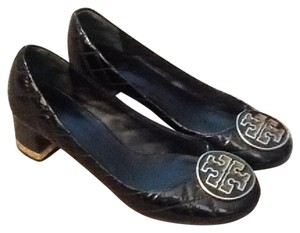 Tory Burch Quilted Black Pumps
