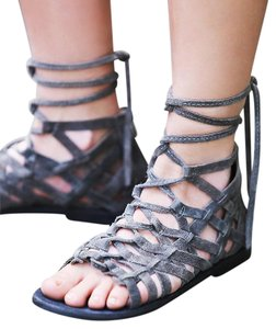 Free People Great Lengths Sz 7 Grey Suede Gladiator New In Box Sandals