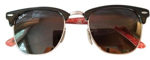 Ray-Ban NIB Ray-Ban Clubmaster Classis with Black Frame W Gray gradient lens