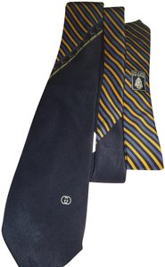 Gucci Gucci made in Italy dark blue tie with yellow stripe and print