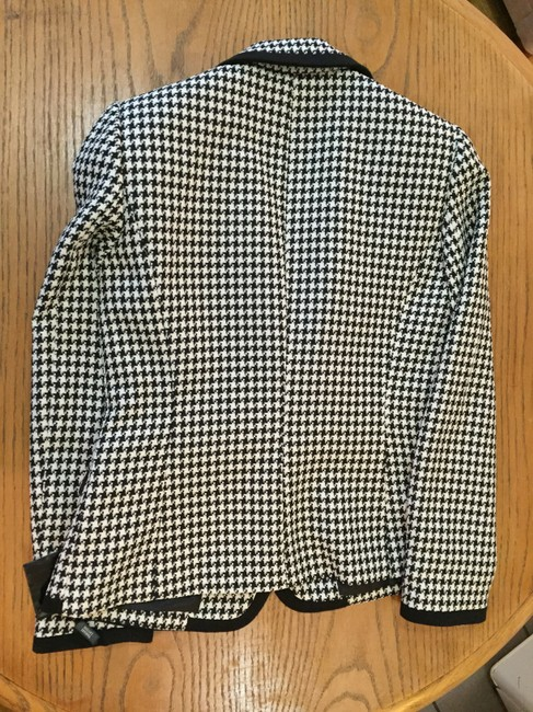Tahari NWT - Tahari Arthur S. Levine Houndstooth Suit Jacket in black and white - Size 6