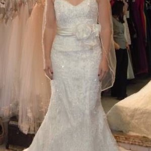 Sottero and Midgley Ivory Lace Never Worn Gown Formal Wedding Dress Size Petite 4 (S)