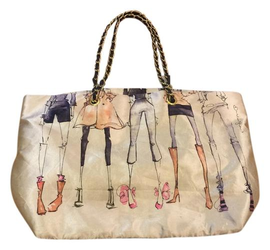 Preload https://item2.tradesy.com/images/dsw-classic-tote-2140556-0-0.jpg?width=440&height=440