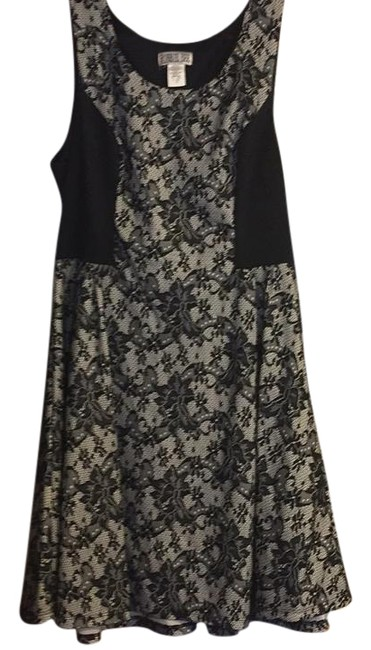 Item - Black and White 109881 Mid-length Cocktail Dress Size 16 (XL, Plus 0x)